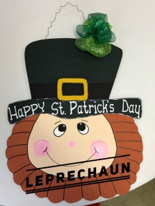 Leprechaun / Apple Butter font $35 Adult Shape